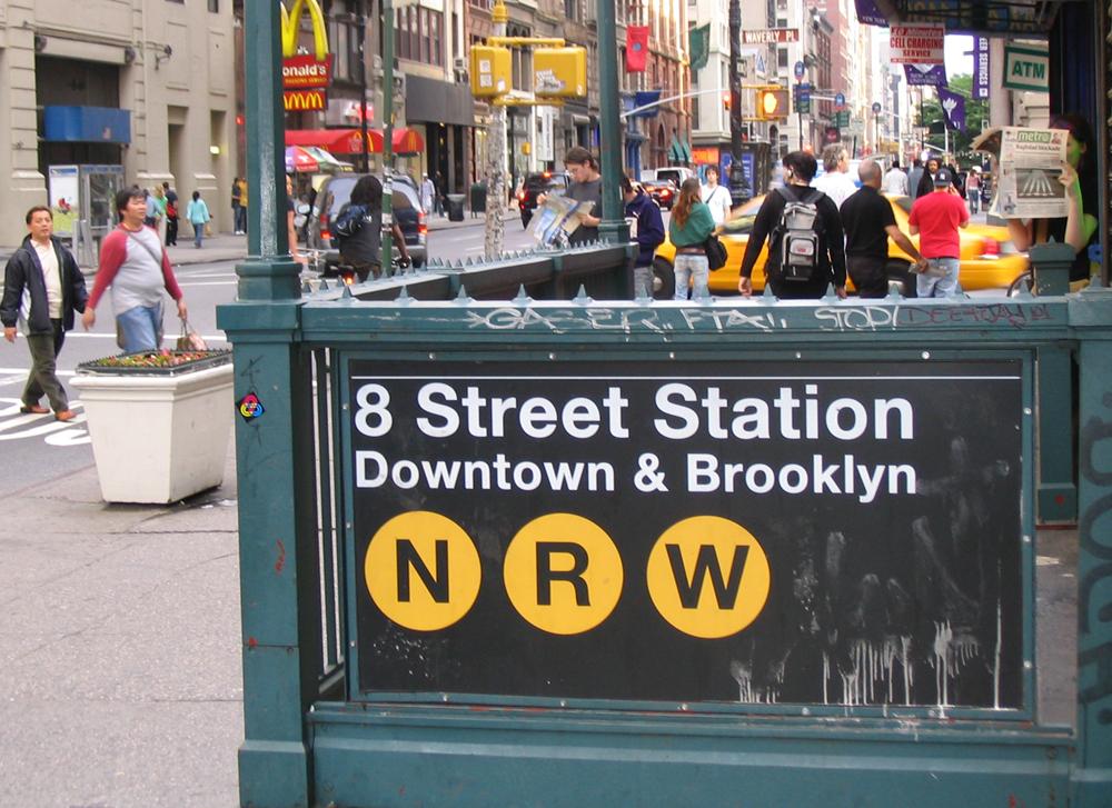 Entrada a una estación de metro en NYC