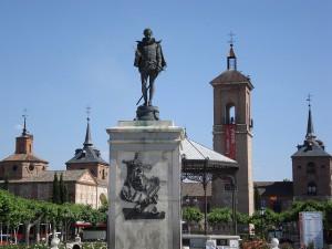 Estatua de Cervantes en la Plaza Cervantes