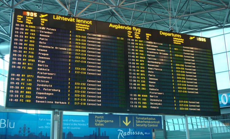 Tablon del aeropuerto de Helsinki