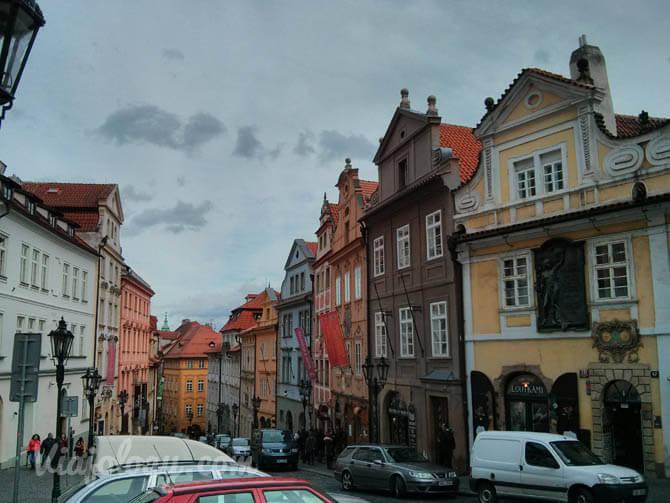 Calle Nerudova de Praga