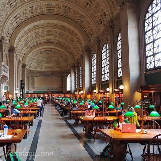 Bates Hall de la Biblioteca Publica de Boston