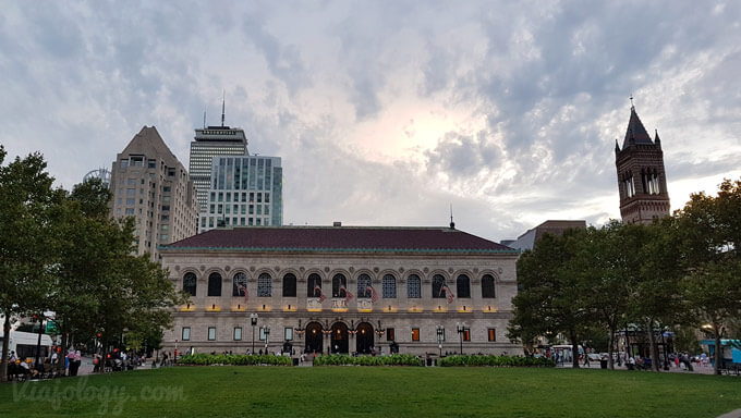 Biblioteca Publica de Boton