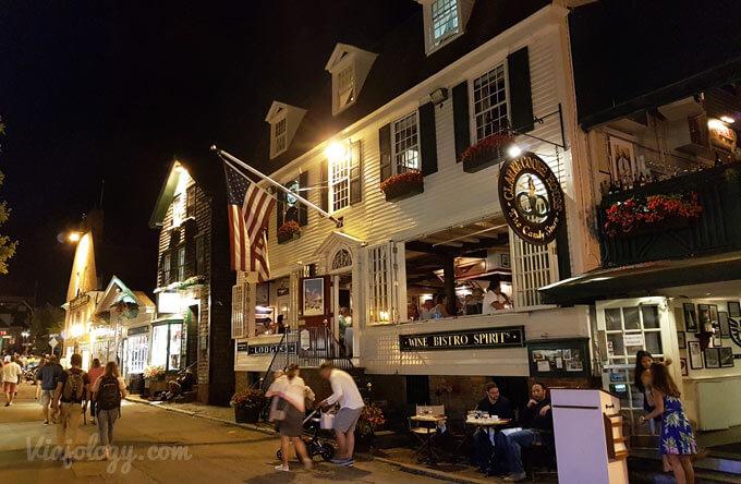 Calles de Newport en el viaje por la costa este de Estados Unidos