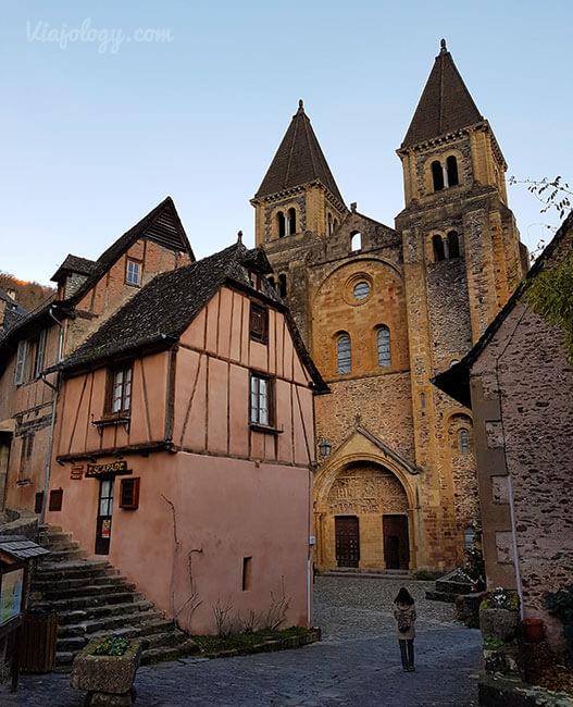 Fachada Abadía de Sainte Foy en Conques