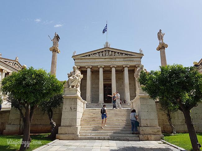 Panepistimio Universidad en Atenas