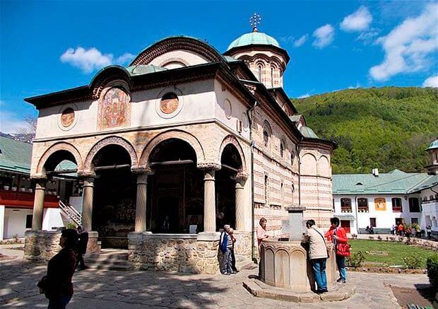 Monasterio Cozia en Rumania