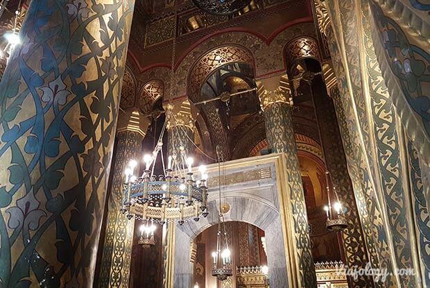 Interior catedral Curtea de Arges