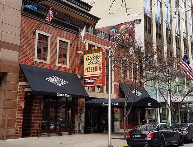 Gino's East pizza en Chicago