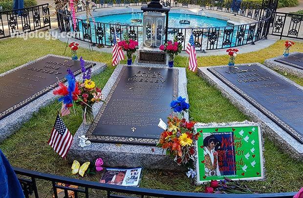 Tumba de Elvis Presley en Graceland