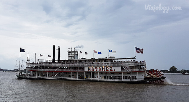 Barco de vapor en el río Misisipi