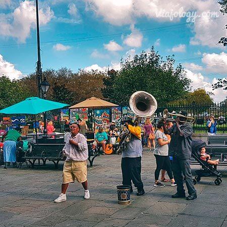 Músicos callejeros en Jackson Square