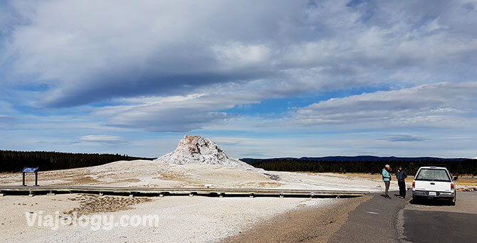 White Dome geyser en Yellowstone